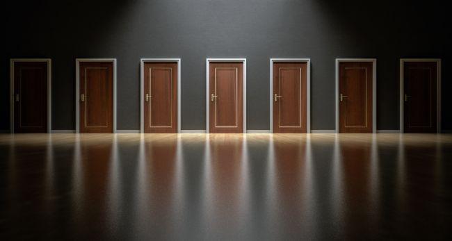 pros contras puertas de madera