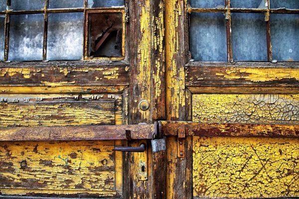 puertas antiguas pintadas