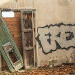 reparar puerta de madera