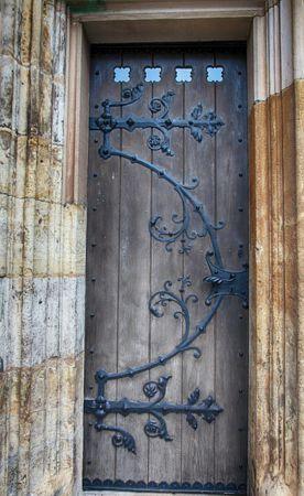 como arreglar puertas de madera viejas