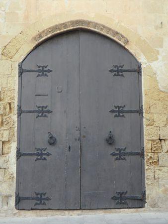 como pintar puertas de madera viejas