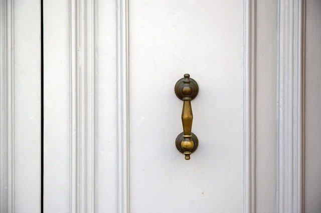 puertas de madera macizas blancas